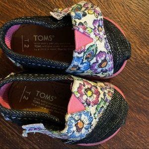 Tiny Toms Size 2